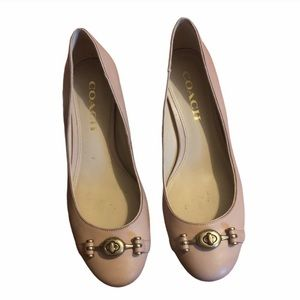 Coach vintage style heels in nude size 6